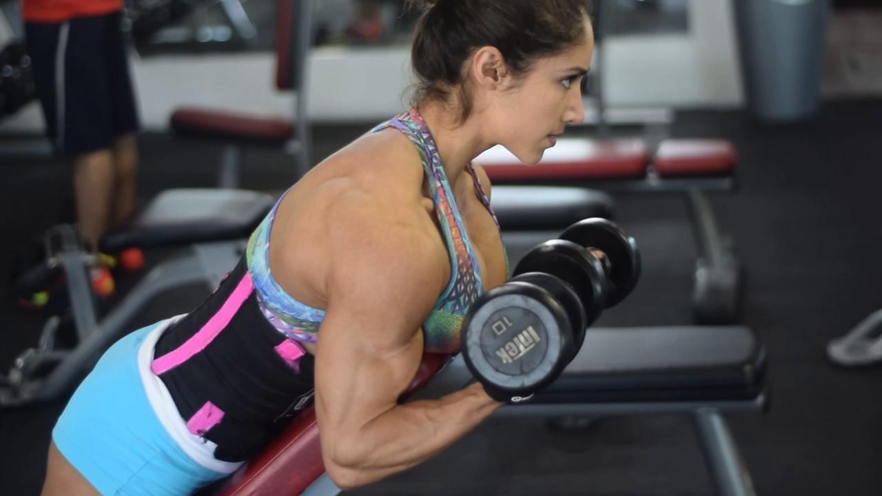 Ejercicios-de-Bíceps-para-aumentar-volumen-2